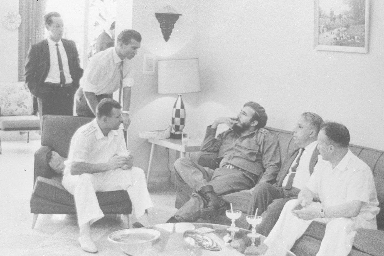 "J.Gagarinas su Fideliu Castro.<br>""Scanpix"" nuotr."