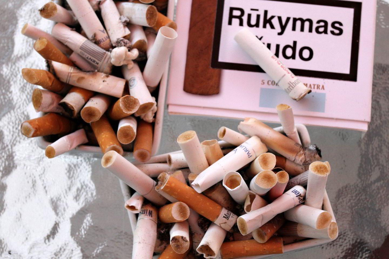 Per metus vienas Lietuvos gyventojas surūko apie 1 tūkst. cigarečių.<br>M.Patašiaus nuotr.