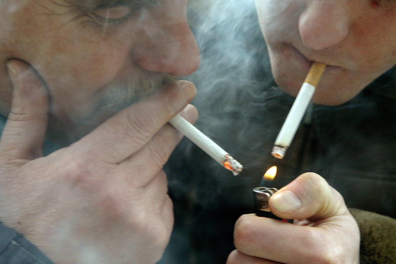 Per metus vienas Lietuvos gyventojas surūko apie 1 tūkst. cigarečių.<br>T.Stasevičiaus nuotr.