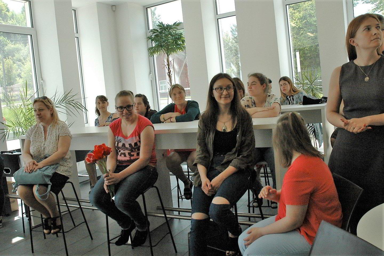 Parodos atidaryme – ir studentai, ir modeliai, ir fotografai.<br>L. Jakubauskienės nuotr.