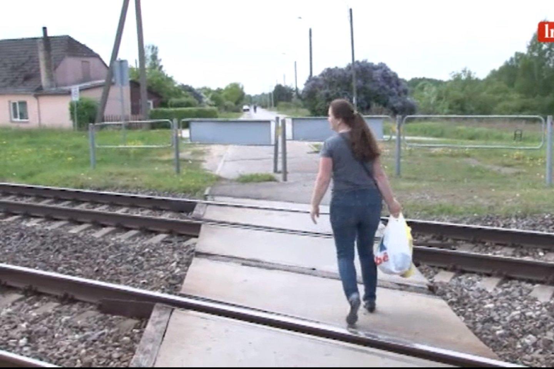 Gyventojai atkreipė dėmesį, kad traukinį sunku išgirsti.<br>Stop kadras.