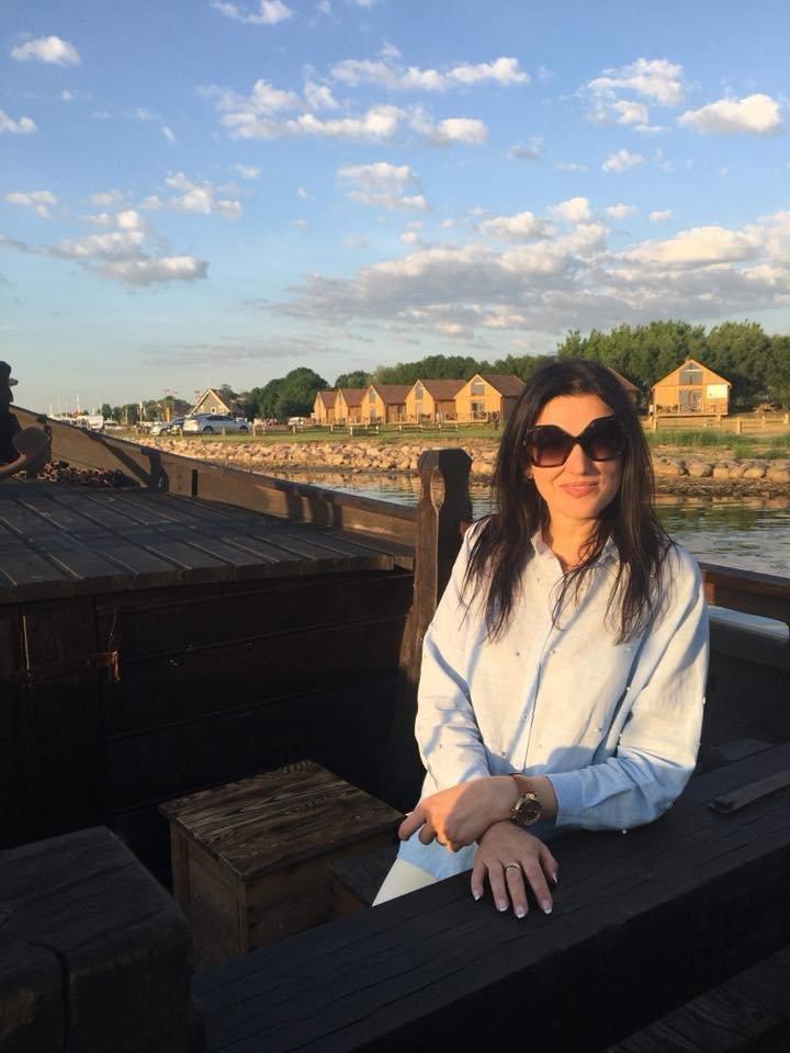 """Laidos """"Pasaulis pagal moteris"""" vedėja Kristina Rimienė kviečia aplankyti jos gimtąją Šilutę."""