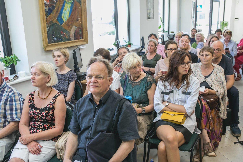 Esė konkurso finalas Neringos Viktoro Miliūno viešojoje bibliotekoje.<br>Rengėjų nuotr.