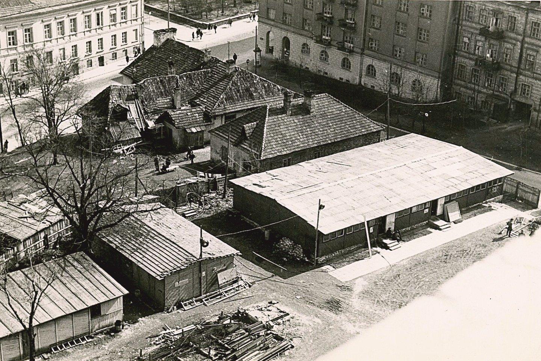 Štai taip 1972 metų balandžio mėnesį atrodė būsimo Operos ir baleto teatro prieigos.