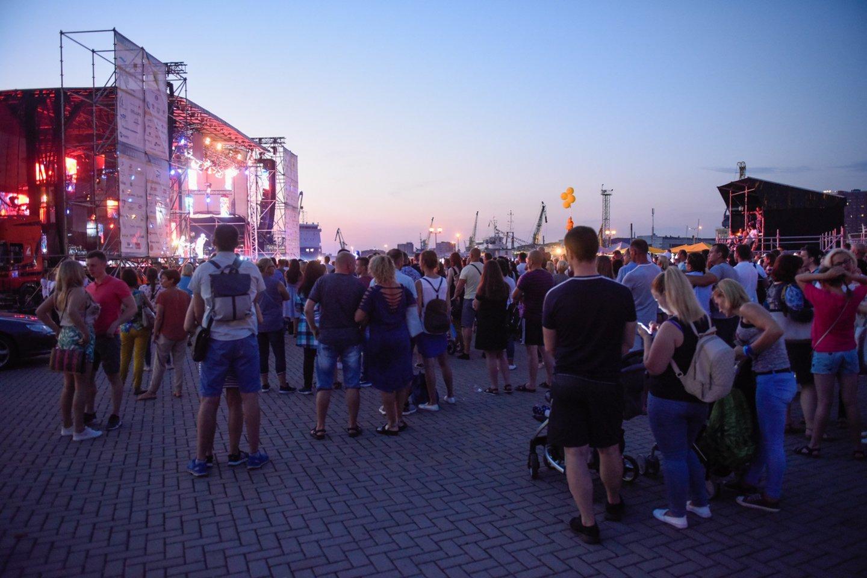 Jūros šventės svečiams - scenos žvaigždžių šou.<br>D.Umbraso nuotr.