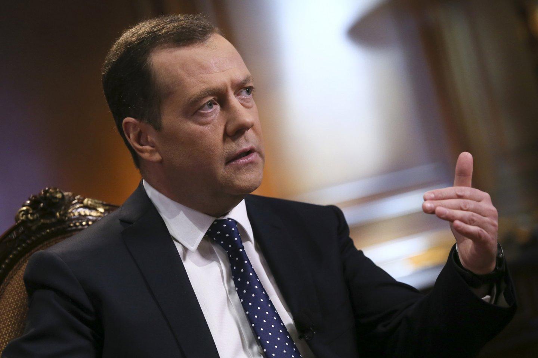 D.Medvedevui teks priimti nepopuliarius sprendimus.<br>Sputkin/Scanpix nuotr.