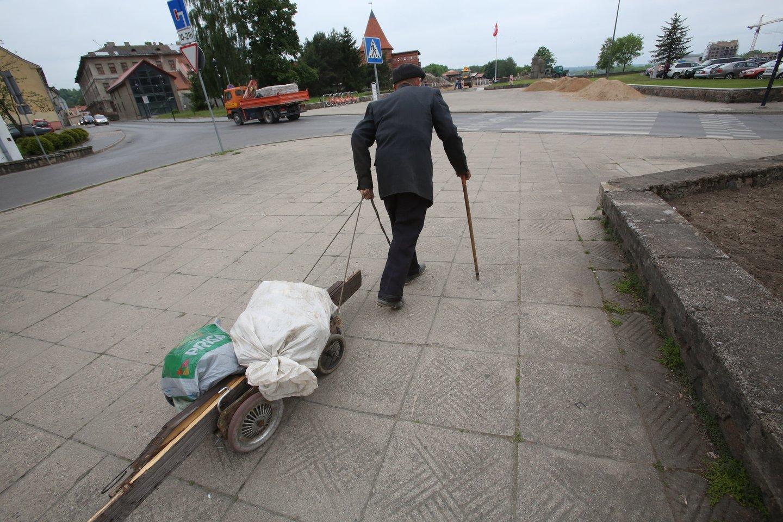 Lietuvoje skurdo rizikos lygis 2017 metais buvo didžiausias tarp Baltijos šalių.<br>M.Patašiaus nuotr.