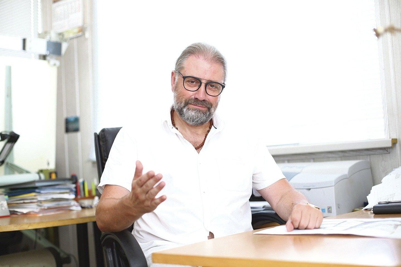 Iš Panevėžio savivaldybės išvarytam merui R.M.Račkauskui teko sugrįžti į architekto studiją, kur jis dirbo anksčiau.