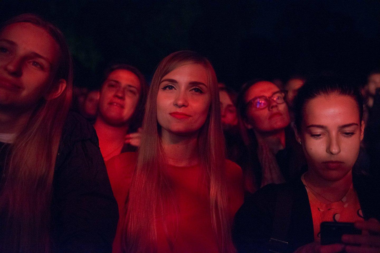 """Vilniečius svaigino romantiškoji grupė """"Rhye"""".<br>J.Stacevičiaus nuotr."""