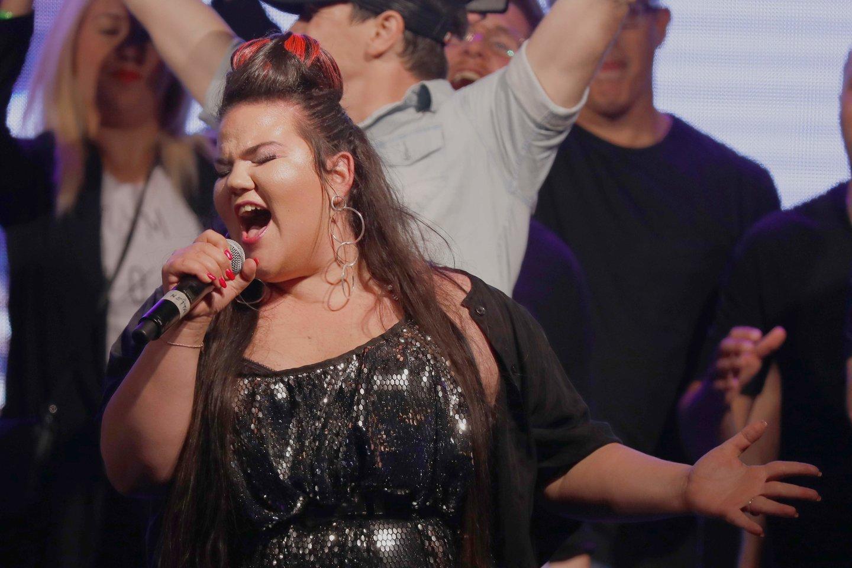 """""""Euroviziją"""" laimėjus dainininkei Nettai, jos tėvynėje Izraelyje verda ginčai dėl kitų metų konkurso.<br>""""Scanpix"""" / AFP nuotr."""