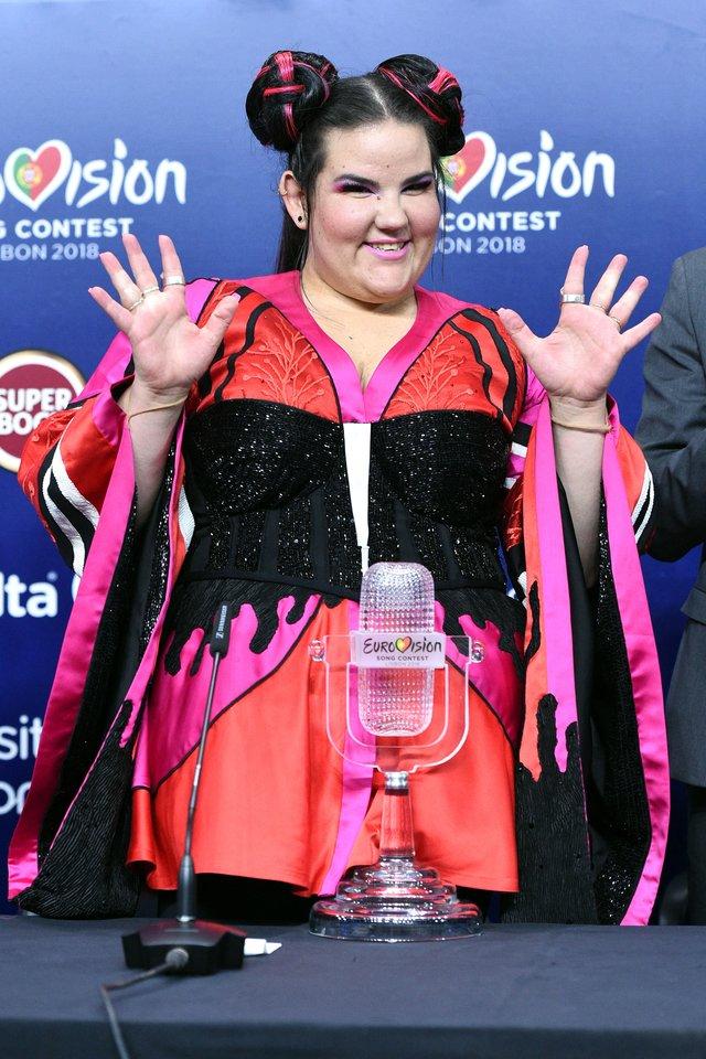 """""""Euroviziją"""" laimėjus dainininkei Nettai, jos tėvynėje Izraelyje verda ginčai dėl kitų metų konkurso.<br>""""Scanpix"""" / """"Capital"""" nuotr."""