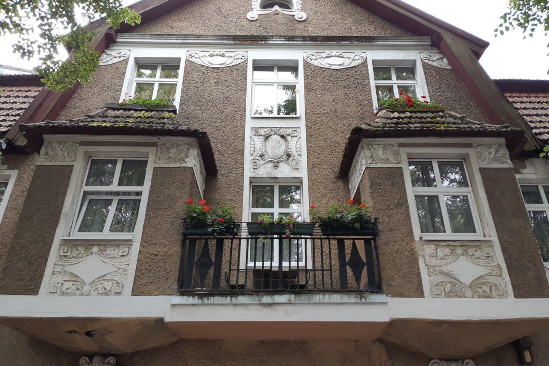 Mūriniai pastatai turi secesijos bruožų.<br>D.Jonušienės nuotr.