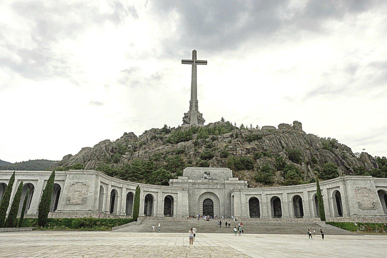 Kritusiųjų slėnio mauzoliejų Ispanijoje aštuoniolika metų statė politiniai kaliniai.<br>Scanpix nuotr.