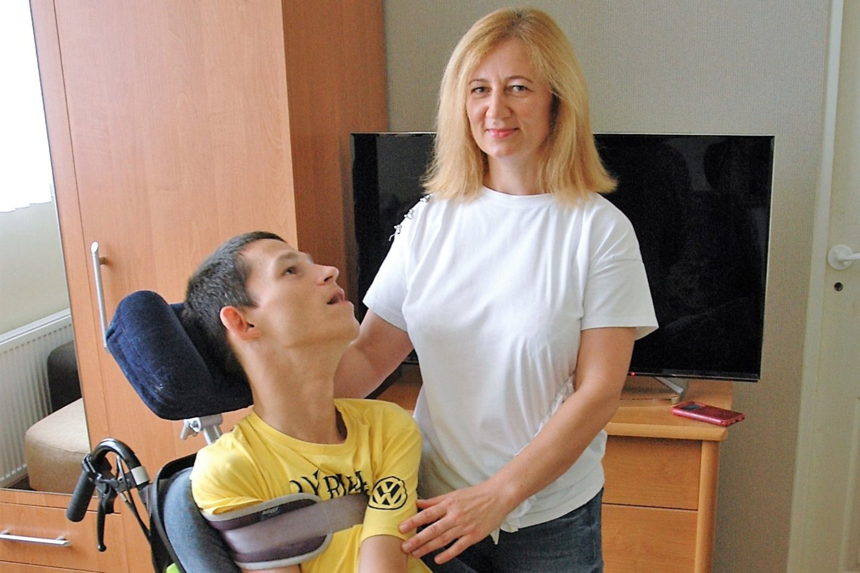 Nemajūnų dienos centro paslaugomis patenkinta Janina ir jos sūnus Edvinas.<br>L. Jakubauskienės nuotr.