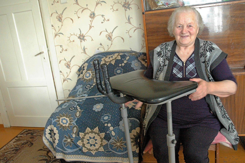 Marija patenkinta jai teikiama pagalba namuose.<br>L. Jakubauskienės nuotr.