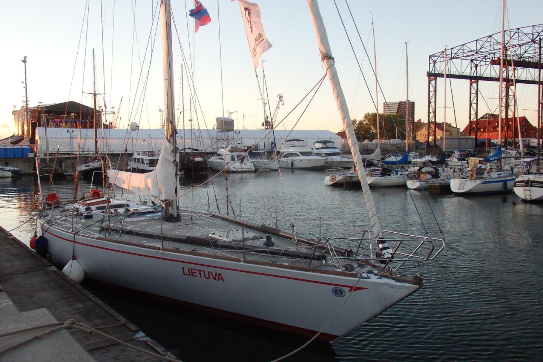 """Regatoje dalyvavusi jachta """"Lietuva"""" baigė distanciją.<br>G.Pilaičio nuotr."""