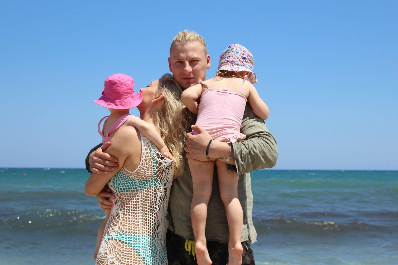 J.Lapatinskas su šeima.<br>Nuotr. iš asmeninio albumo.
