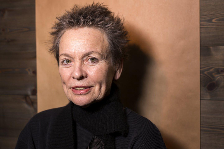 "Garsioji  JAV avangardo kūrėja Laurie Anderson. <br>""Scanpix"" (AFP) nuotr."
