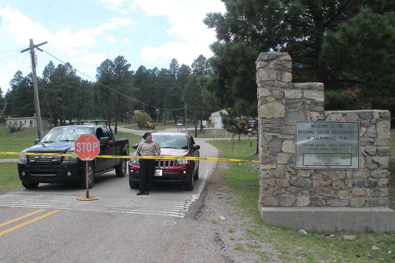 """""""Sunspot Solar Observatory"""" mokslo centras buvo uždarytas rugsėjo 6 dieną, kai jį iš esmės užėmė FTB pareigūnai.<br>Dylan Taylor-Lehman/Daily News nuotr."""