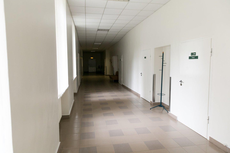 Respublikinės Vilniaus psichiatrijos ligoninės koridoriai vargiai skiriasi nuo kitų ligoninių.<br>T.Bauro nuotr.
