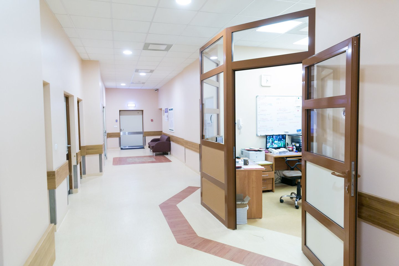 Respublikinės Vilniaus psichiatrijos ligoninės koridoriai niekuo nesiskiria nuo kitų ligoninių.<br>T.Bauro nuotr.
