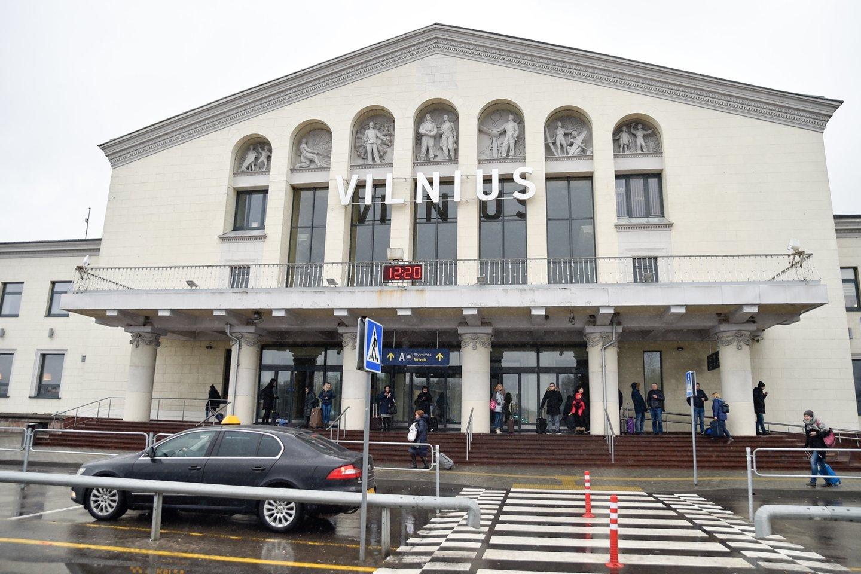 Vilniaus oro uostas,rekonstrukcija,keleiviai,lėktuvai,bagažas,emigrantai<br>V.Ščiavinsko nuotr.