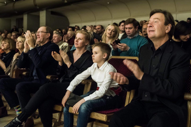 """""""Gaidos"""" koncerto akimirka. Pirmas kairėje - M.Lindbergas.<br>D.Matvejevo nuotr."""