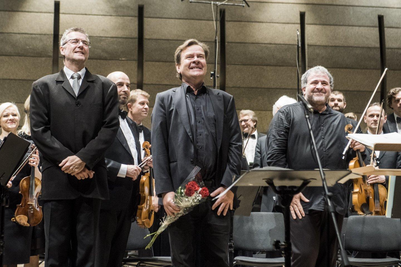"""Gaidos"" koncerto akimirka. Centre - M.Lindbergas.<br>D.Matvejevo nuotr."