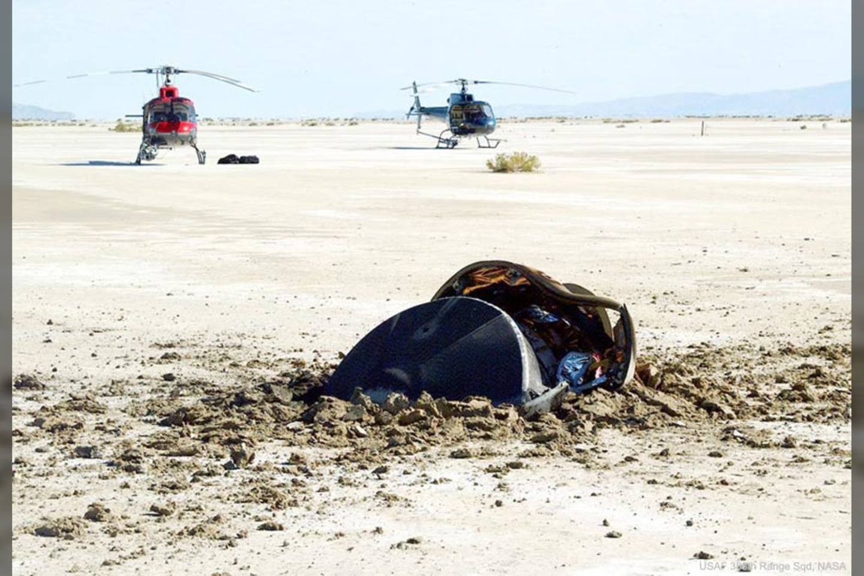 """""""Skraidanti lėkštė iš tolimojo kosmoso sudužo Jutos dykumoje po to, kai ją užfiksavo radaras ir vijosi sraigtasparniai"""" – rašoma oficialiame nuotraukos aprašyme.<br>NASA nuotr."""