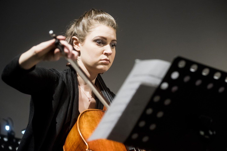 """Lietuvos ansamblių tinklo koncertas""""Virtual Orchestra"""": G.Baranauskaitė.<br>D.Matvejevo nuotr."""