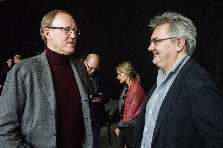 """Lietuvos ansamblių tinklo koncertas""""Virtual Orchestra"""".Festivalio meno vadovas R.Merkelys(kairėje) suR.Kronlaku.<br>D.Matvejevo nuotr."""