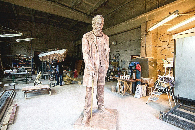 """Bronzinė dr. J.Basanavičiaus skulptūra buvo išlieta rugsėjį.<br>S.Žiūros ir """"Alfa.lt"""" nuotr."""