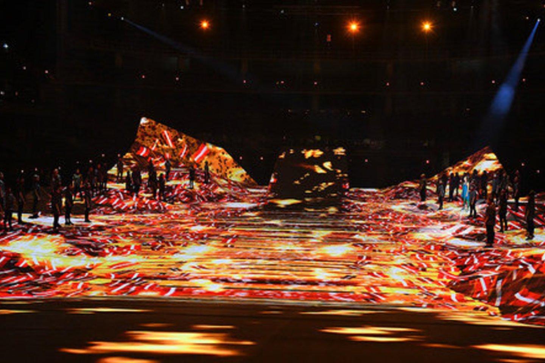 """Multimedijos ir šokio spektaklio """"Abas malas"""" (""""Abi pusės"""").<br>Organizatorių nuotr."""
