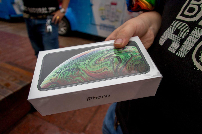 """""""Apple"""" mažina trijų naujausių išmaniųjų telefonų modelių gamybą.<br>Sipa / Scanpix nuotr."""