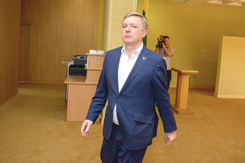 Valstiečių vedlys R.Karbauskis apie savo išvyką į Tbilisį nedaugžodžiavo.