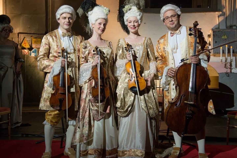 """Įvairiaspalvę klasikinės muzikos programą mažyliams ir jų palydovams parengė styginių kvartetas """"Archi Quartett""""."""