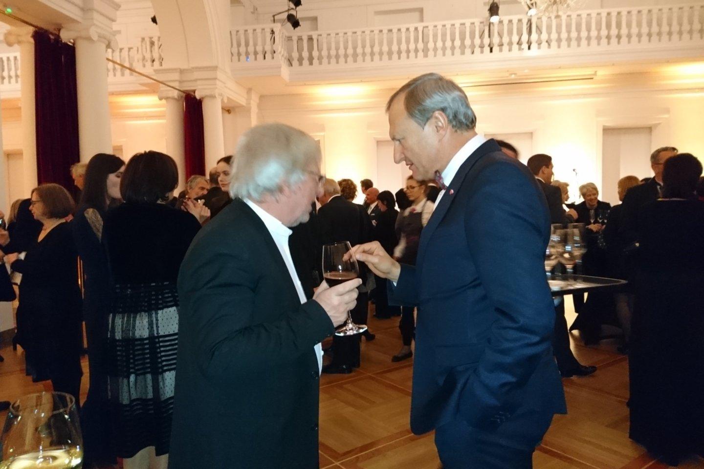 G.Kėvišas diskutuoja su Vroclavo nacionalinio muzikos forumo vadovu A.Kosendiaku.<br>A.Andrikonytės nuotr.