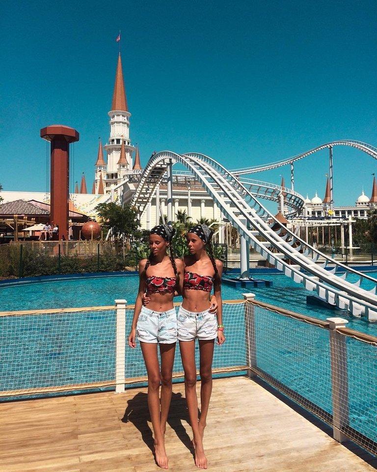 Seserys Daria ir Maria.<br>Instagramo nuotr.