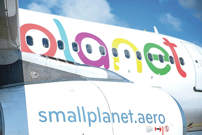 """""""Small Planet Airlines"""" – dar viena liepto galą priėjusi Lietuvos oro bendrovė.<br>J.Stacevičiaus nuotr."""