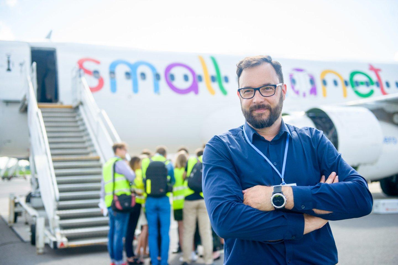"""Penktadienį – 2009 metų sausio 16 dieną – nebeskraidysianti pranešė """"FlyLAL-Lithuanian Airlines"""", kuriai vadovavo dabartinis """"Small Planet Airlines"""" bendraturtis Vytautas Kaikaris.<br>J.Stacevičiaus nuotr."""