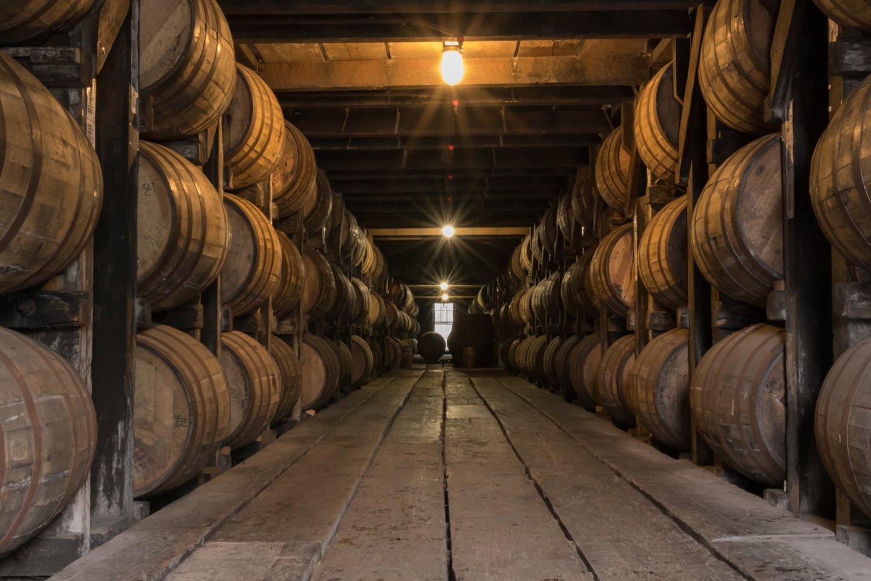 """Burbono statinėse brandinamas alus.<br>""""Švyturys-Utenos Alus"""" nuotr."""