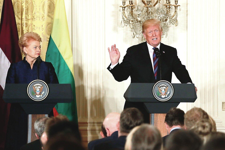 """Apklausos dalyviai Lietuvos 2018 metų žmogumi išrinko D.Grybauskaitę, o Pasaulio metų žmogumi – D.Trumpą.<br>""""Reuters"""" nuotr."""
