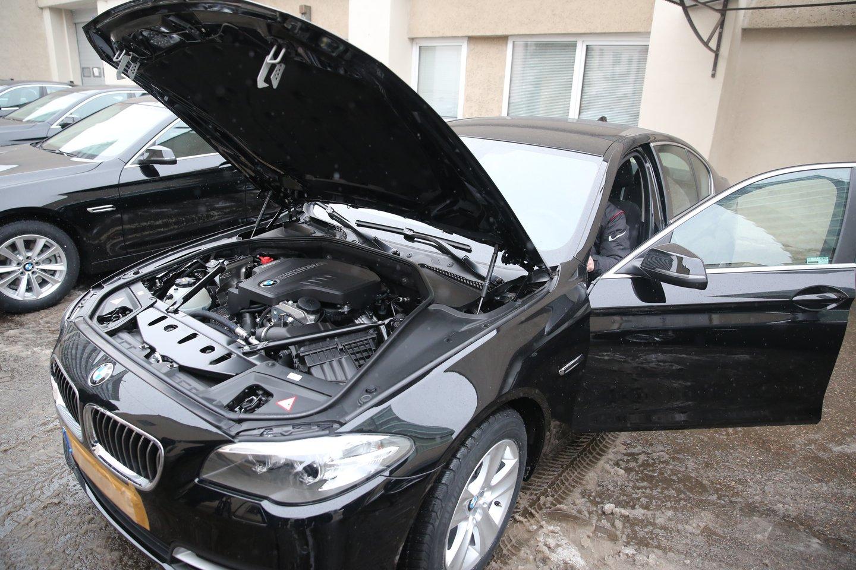 Seimo automobiliai valstybei atsieina labai brangiai.<br>R.Danisevičiaus nuotr.