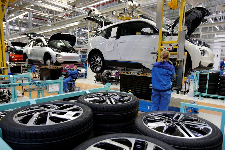 Verslo klimatas prastėja visose svarbiose pramonės gamybos šakose, išskyrus chemijos pramonę.<br>Reuters/Scanpix nuotr.
