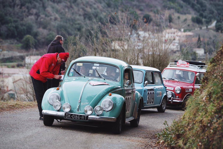 Karolis Raišys ir Ilya Zakmanas istoriniame Monte Karlo ralyje kol kas demonstruoja solidų tempą.<br>R. Petrausko nuotr.