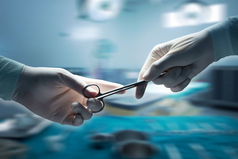 Atliekant nugaros operaciją, pacientei atsitiktinai buvo pašalintas inkstas.<br>123rf nuotr.
