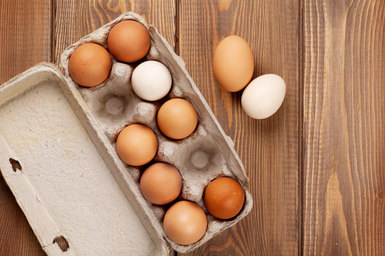 Skirtingomis sąlygomis laikomų vištų kiaušiniuose baltymų ir riebalų kiekis neženkliai skiriasi, tačiau baltymų, mononesočiųjų ir omega 3 riebalų rūgščių visuose juose yra pakankamai daug.<br>123rf nuotr.