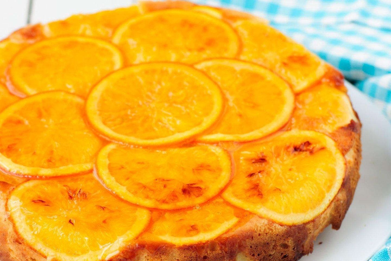 Apverstas apelsinų pyragas.<br>Nuotr. iš asmeninio albumo.