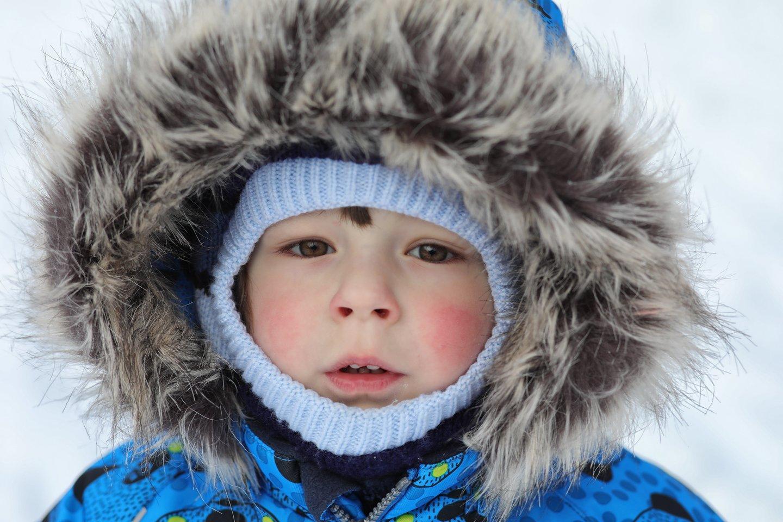 Mamos išlepintas berniukas savo elgesiu šokiravo giminaičius.<br>123rf asociatyvioji nuotr.