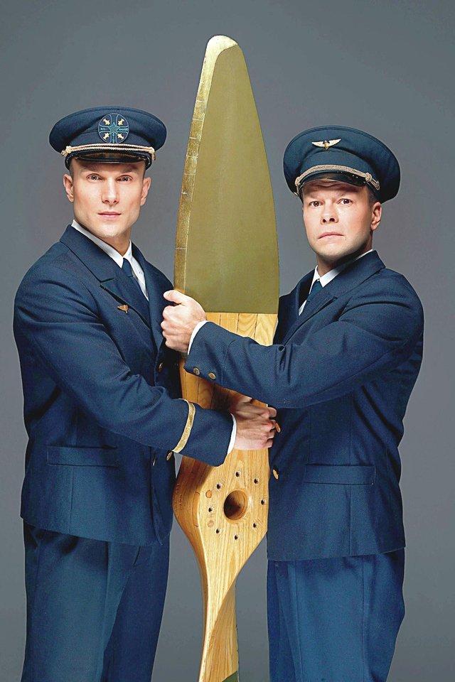 V.Baumila (kairėje) naujame miuzikle vaidins S.Darių, o J.Bareikis – S.Girėną.<br>L.Kulbio nuotr.